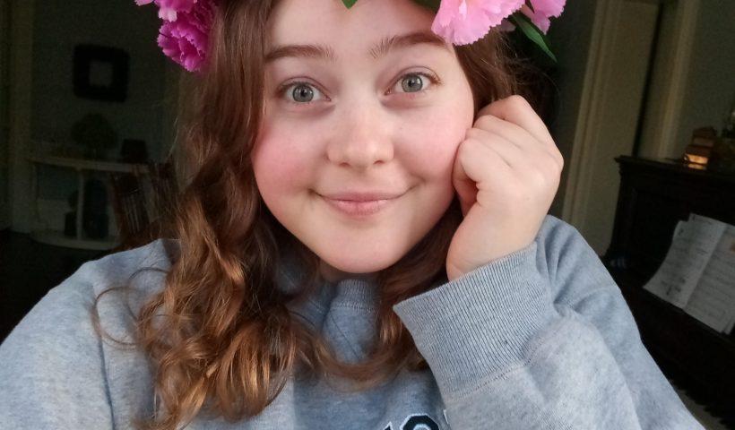 wjdkrxw9fcl41 820x480 - Made myself a flower crown today! - hobbies, crafts