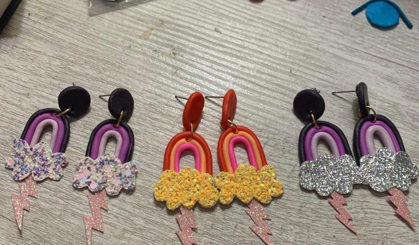 ad6wvu07zwq41 820x480 - Rainbow storm cloud earrings!!! - hobbies, crafts