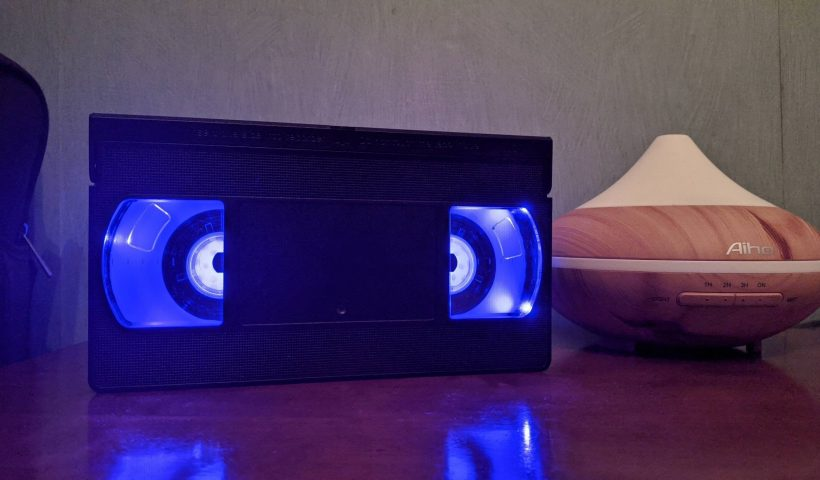yLL2vdeQWw zoX StqHXEWL 55OPChru7VPYqRITghk 820x480 - Upcycled an old VHS with some LED lights - hobbies, crafts