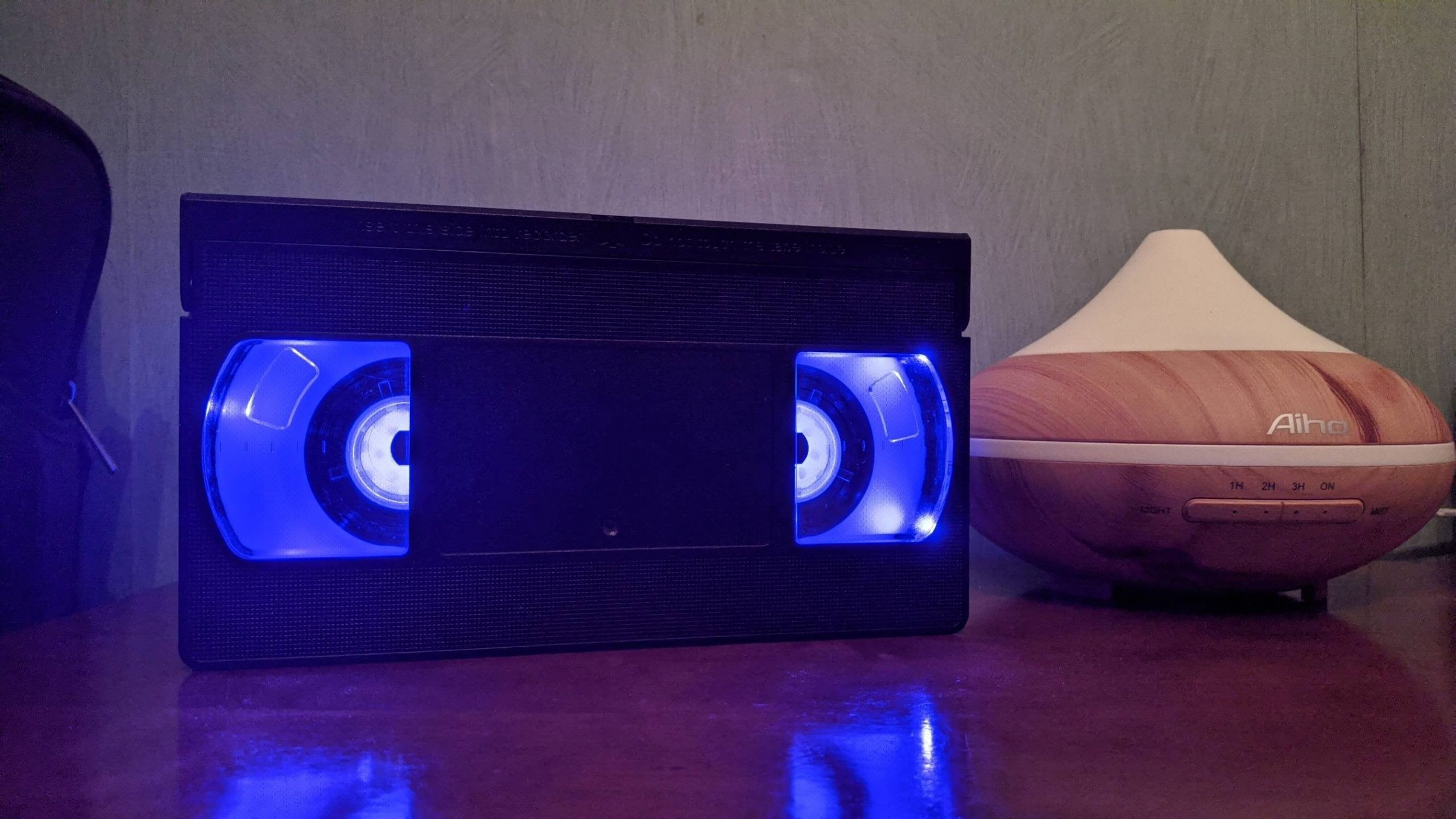 yLL2vdeQWw zoX StqHXEWL 55OPChru7VPYqRITghk scaled - Upcycled an old VHS with some LED lights - hobbies, crafts
