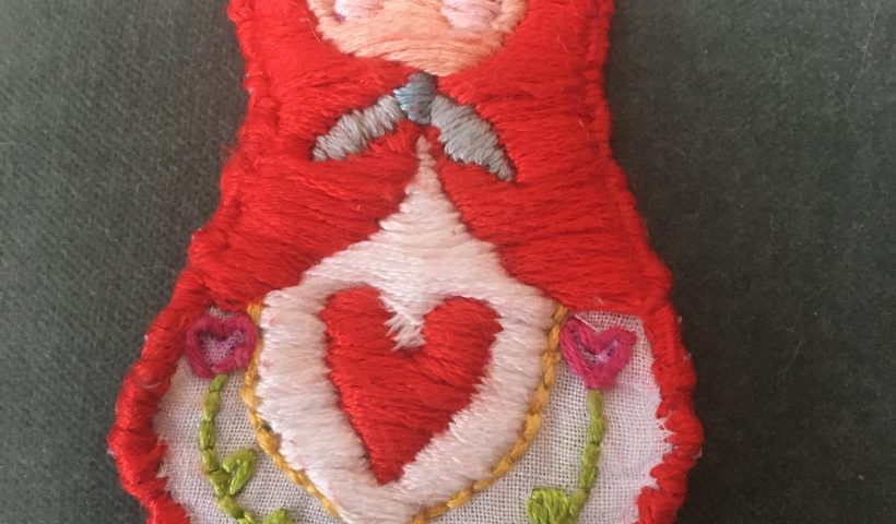 0q3tqpgdpcy41 820x480 - A hand embroidered Matryoshka doll patch I made for my mum - hobbies, crafts