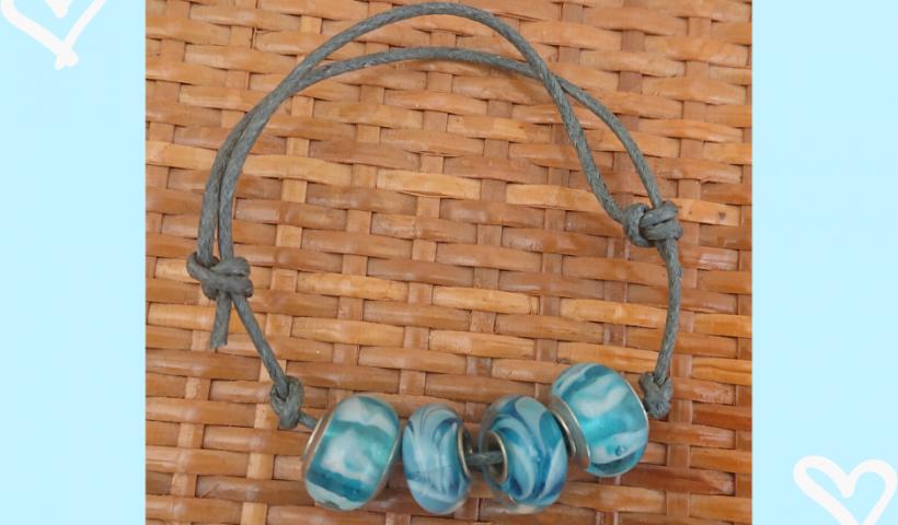 vdr3zsc55dy41 820x480 - Blue charm bracelet - hobbies, crafts