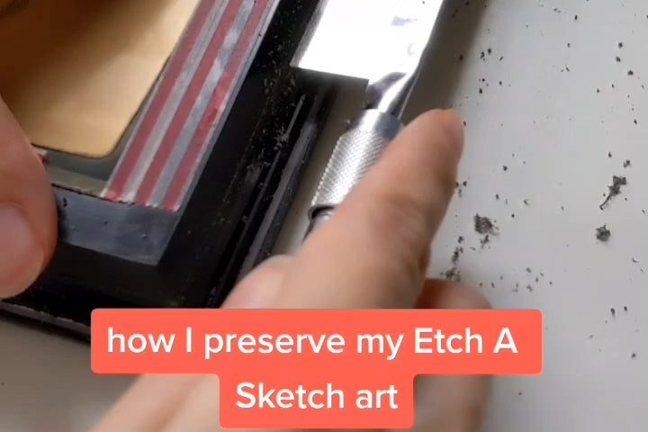 LH7PCwzCRYLdfSK70HIXUbxOfxjZr75G1H8gjZPHlTs 720x480 - I'm an Etch A Sketch artist and this is how I make my art permanent! - home, hobbies