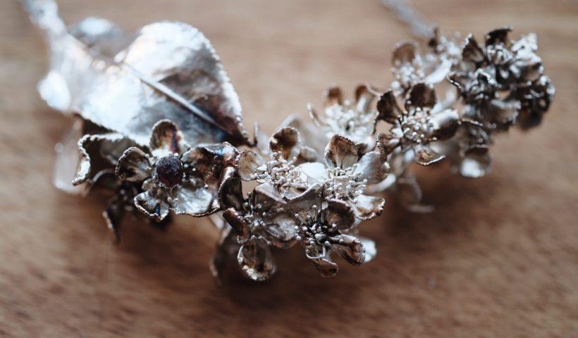 lzmom1xxt8451 820x480 - Wild cherry necklace in silver - hobbies, crafts