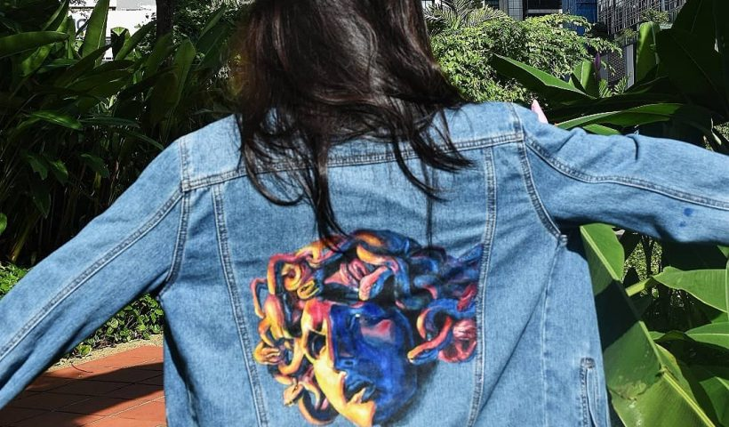 cku8ohre1ec51 820x480 - Hand painted a denim jacket w a Medusa head from assassination of Gianni Versace ! This is my first time painting a denim jacket and it took ages but I like how it turned out :-) - hobbies, crafts
