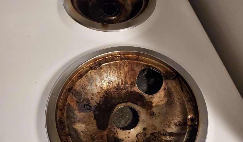 uukbblao4b751 820x480 - Moving out of my apartment soon and haven't ever cleaned these (3 years). What's the easiest way to make them silver again? - home, hobbies