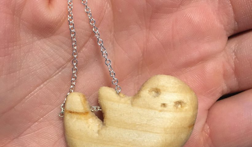 xjzg4omjogc51 820x480 - Decided to do a lil sloth, my Reddit namesake, then put it on a necklace for the hell of it. Now I just need to find one of my friends who wants a sloth necklace I guess - hobbies, crafts