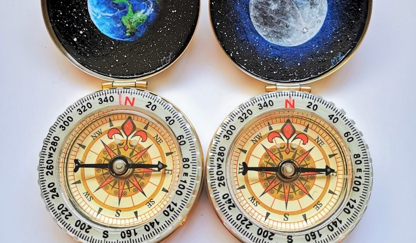 0G 5ATMnuJQptMlDqXnyBCAc PQZPv fy5CmBhTnbzY 820x480 - I paint the inside of pock compasses, here's two I recently made! A full Moon and the Earth - hobbies, crafts