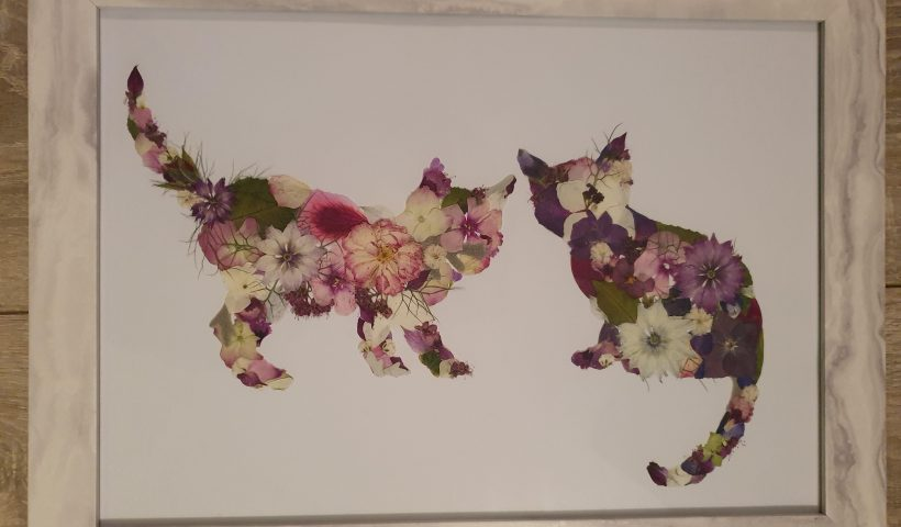 5u4wwvfxm6m51 820x480 - My husband recently posted a picture of a flowery cat I made. This is my latest piece. - hobbies, crafts
