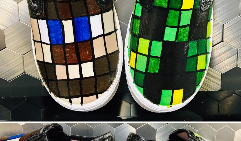 bqnmw6eth9j51 820x480 - Minecraft hand painted shoes - hobbies, crafts