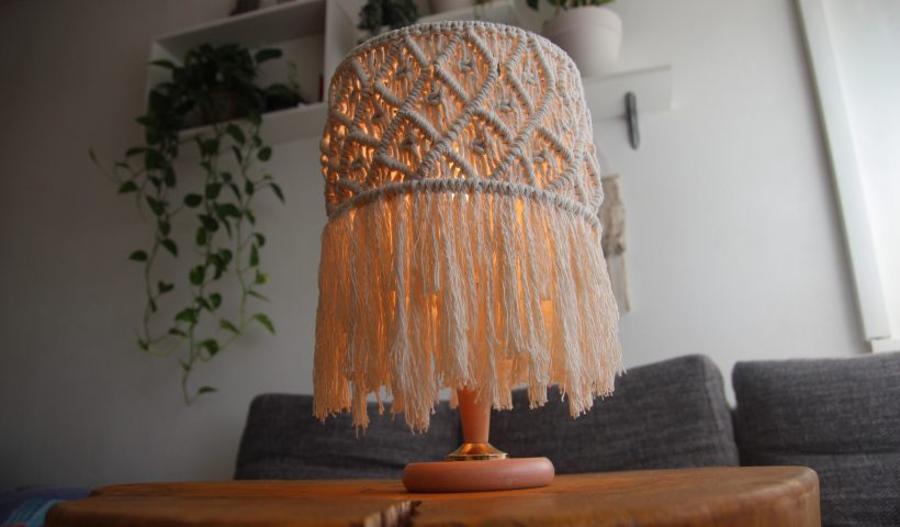i7l8lbzie5j51 820x480 - I made my first Macrame lamp - hobbies, crafts