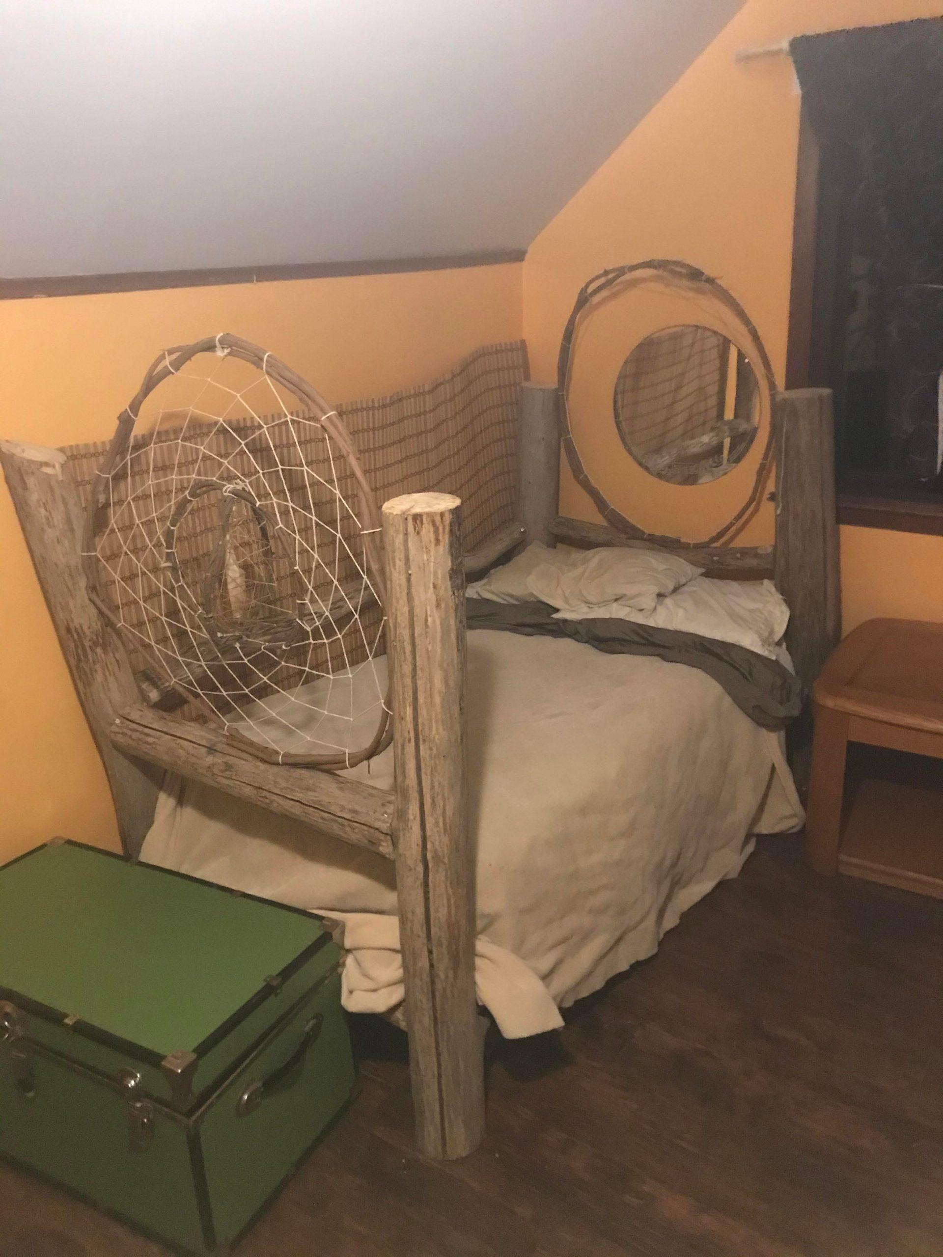0j1um9j1nrt51 scaled - Finally made my son a bed! - hobbies, crafts