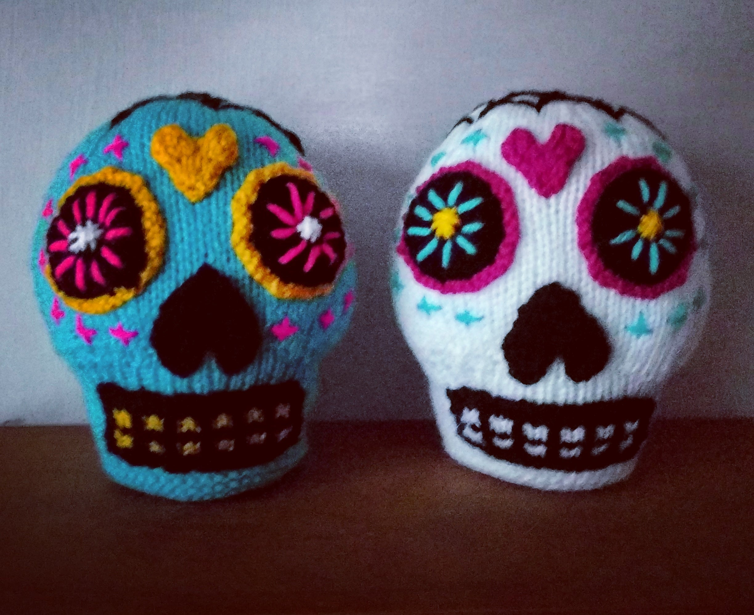 47syaj4djtr51 - I love Sugar Skulls! I am going to make a few more in different colors too :) - hobbies, crafts