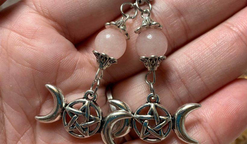 cj9o0k9cf0p51 820x480 - I recently got into making earrings! - hobbies, crafts