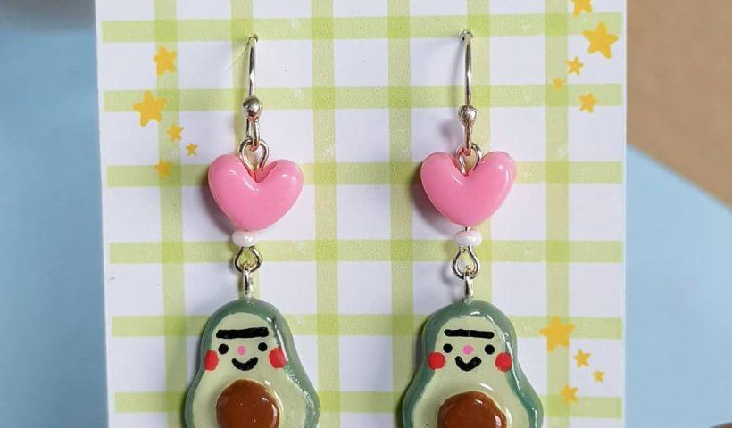 ytp38h6kvqr51 820x480 - A pair of handpainted avocado earrings - hobbies, crafts