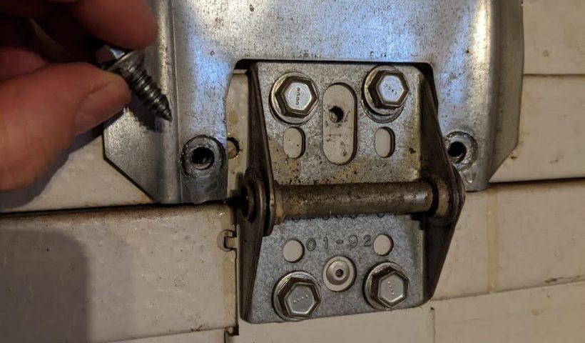 c19sbv7i12x51 820x480 - How can I fix this brace on my garage door? - home, hobbies