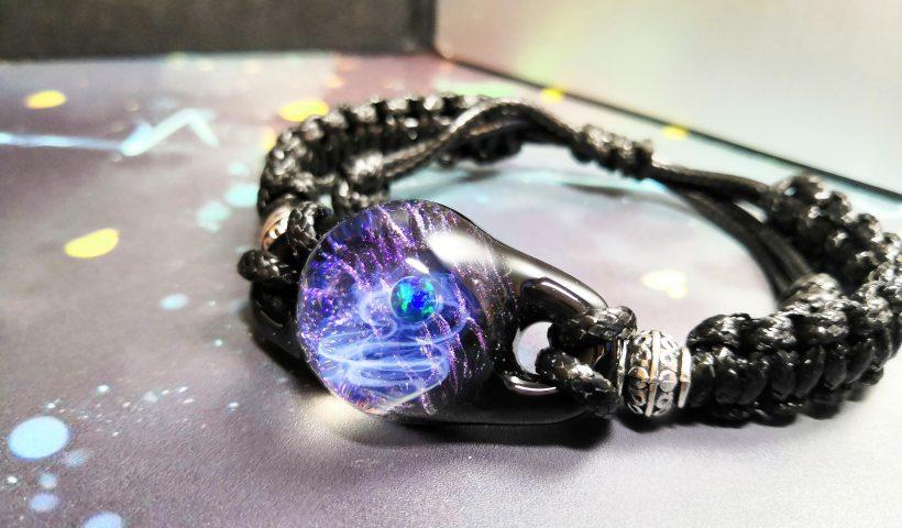 jc4z8st58tx51 820x480 - Galaxy inspired resin art - hobbies, crafts