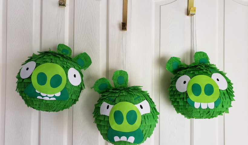 kt72tbixb7861 820x480 - Bad Piggies Pinatas I made using paper lanterns, crepe paper & cardstock .... Part of me will be crushed when they are being crushed - hobbies, crafts